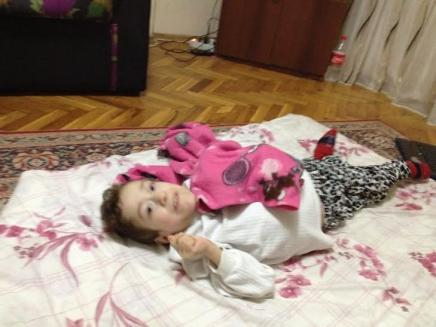 Ten-year-old Iraqi girl living with cerebral palsy in Turkey